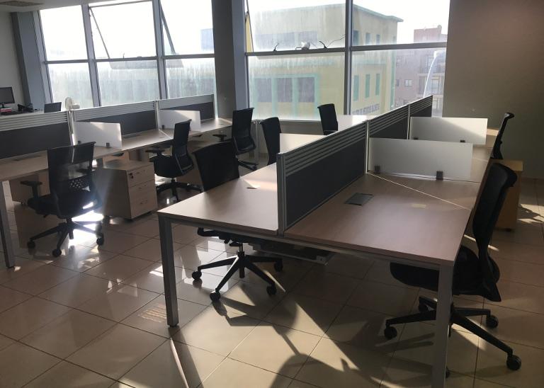 Trabajos sobre espacio de trabajo Inventia Plus